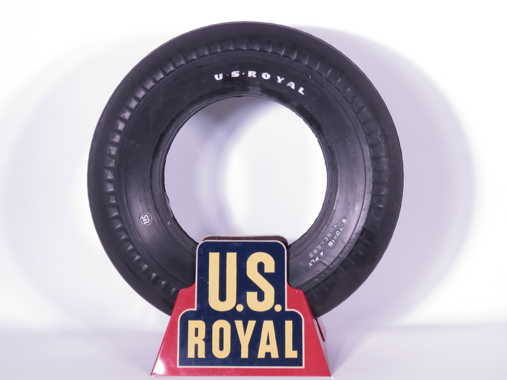 1940S U.S. ROYAL TIRES DISPLAY STAND
