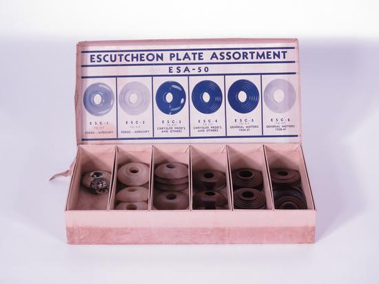1930S ESCUTCHEON PLATE ASSORTMENT COUNTERTOP DISPLAY