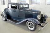 1932 FORD 5-WINDOW CUSTOM COUPE