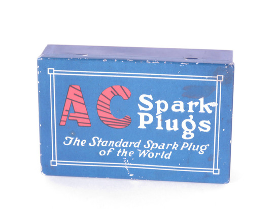 1930S AC SPARK PLUGS TIN