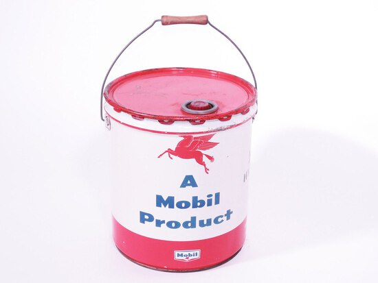 LATE 1950S MOBIL OIL CAN OF MOBIL HYDRAULIC OIL
