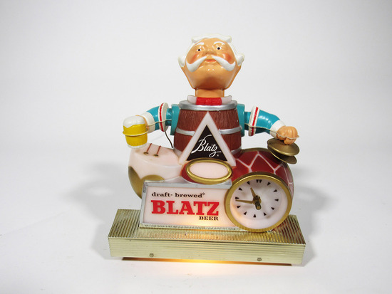 LATE 1950S-EARLY '60S BLATZ BEER THREE-DIMENSIONAL LIGHT-UP CLOCK