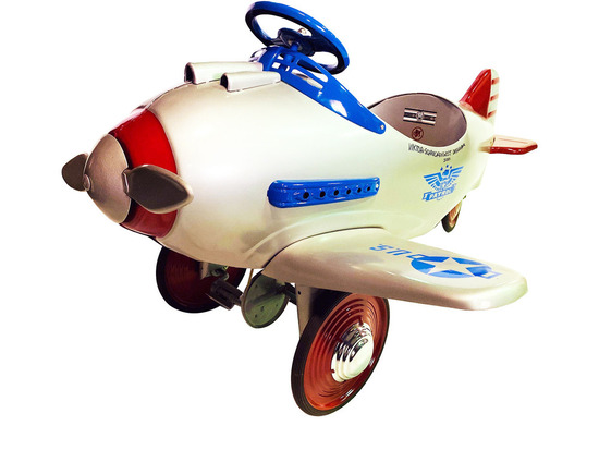 ONE-OF-A-KIND 1941 MURRAY PURSUIT PEDAL CAR AIRPLANE AUTOGRAPHED BY THE ORIGINAL DESIGNER.