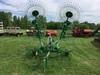 (25H) JD 702 10 Wheel Rake
