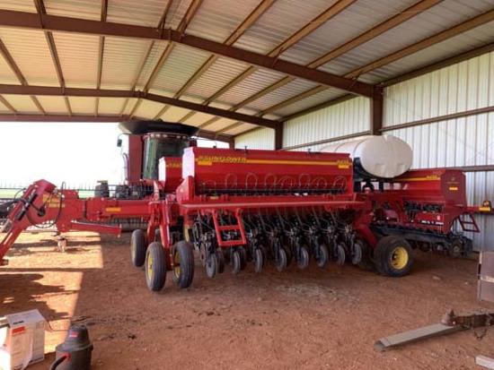 Sunflower 9435 No-Till Grain Drill, 30 ft