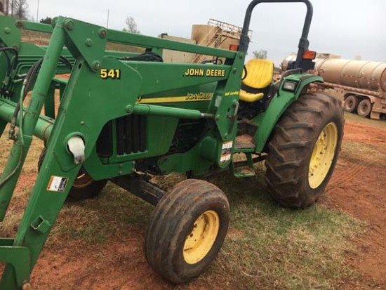 JD 5520, 2WD w/Loader