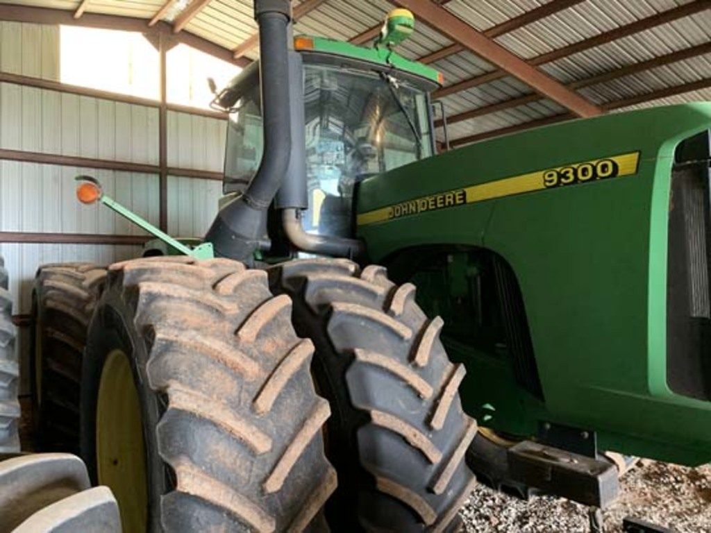 JD 9300 4 wd Tractor