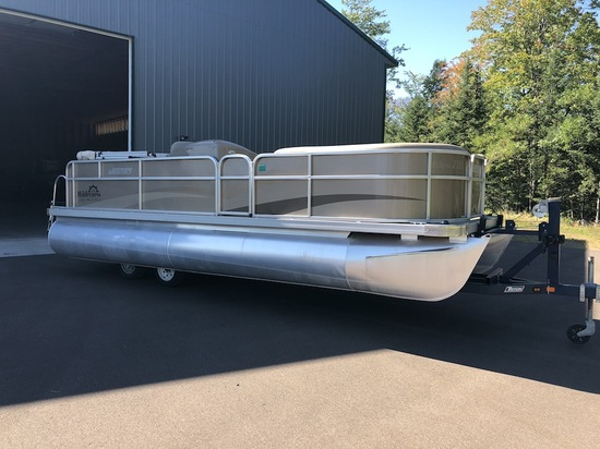 2015 Weeres 220 Eclipse Pontoon Boat w/70 hp Yamaha