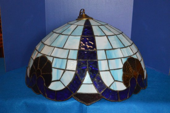 "25"" TIFFANY STYLE STAINED GLASS CEILING LIGHT,"