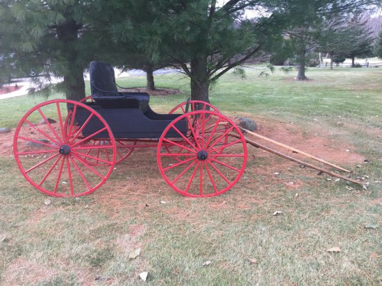 ANTIQUE HORSE BUGGY