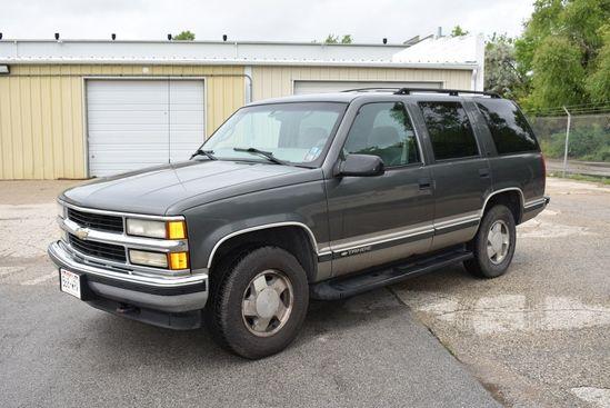 1999 CHEVROLET FOUR DOOR SUV, MODEL TAHOE LS,