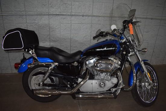 2004 HARLEY DAVIDSON MOTORCYCLE MODEL XL883C,