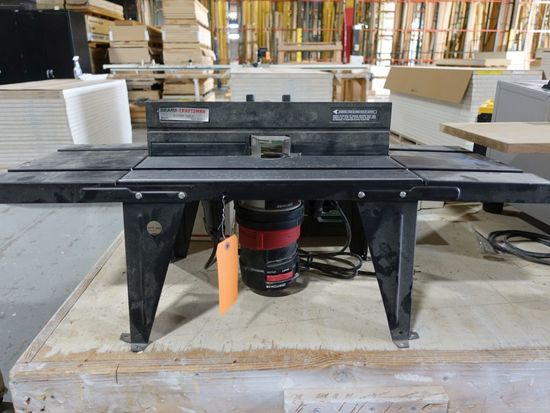 CRAFTSMAN 1 1/2 H.P. ROUTER WITH TABLE