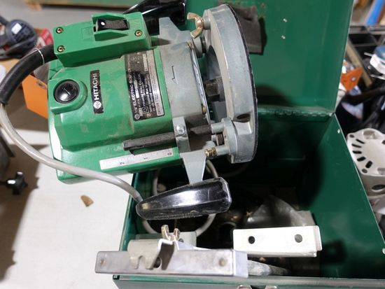 "HITACHI 1/2"" ELECTRIC ROUTER, TYPE TR12"