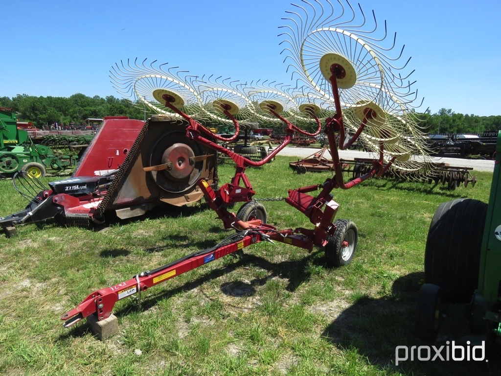 Ag equipment USA 8 wheel rake