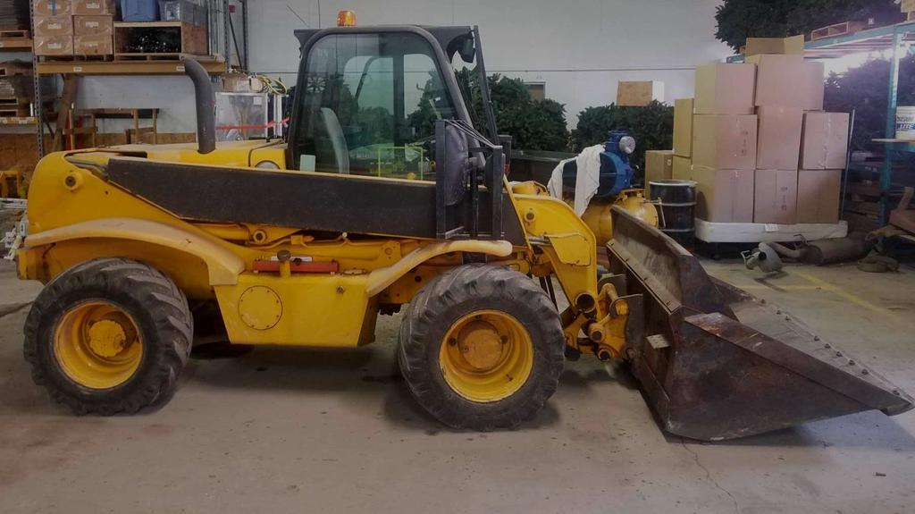 JCB 520 Telescopic Fork Lift with Bucket & Forks attachment