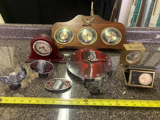 Microphone clock, belt buckle, Other clocks and thermometer set
