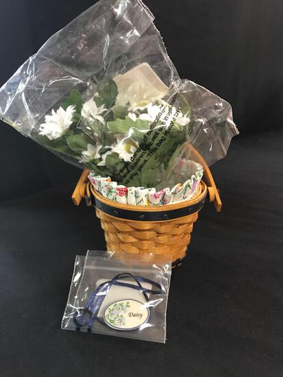 small basket with liner