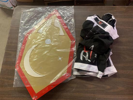 Shield and boxing shorts size 2xl
