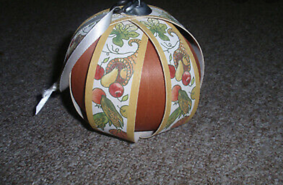 Thanksgiving wooden ornament (hanger not included)