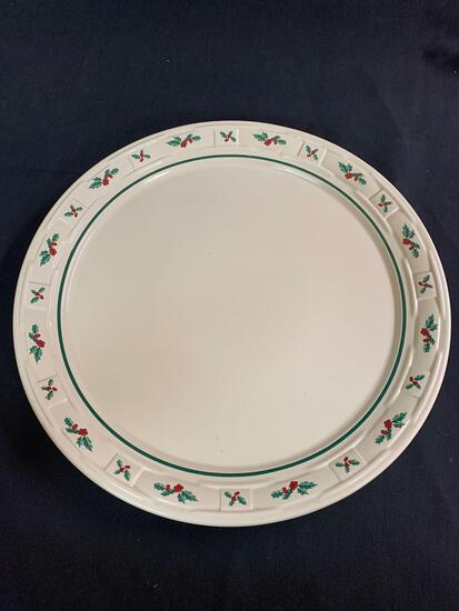 Traditional holly cake plate