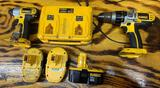 Dewalt 18 V impact driver hammer drill three batteries and double charger