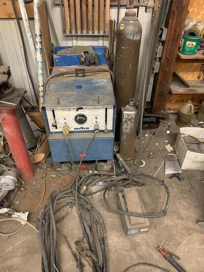 Miller welder AC gas tungsten arc or shielded metal arc welding power source