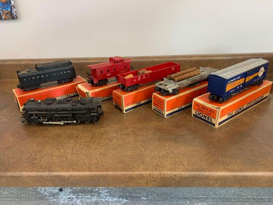 O scale Lionel #2018 engine with Tender and cars, original boxes very nice!