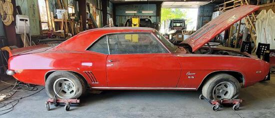 1969 Camaro SS No carb under air filter. Abandoned vehicle no keys
