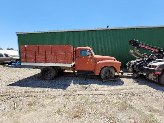 1949 3 window dump grain truck(red)