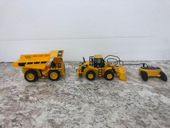 2X-CAT Caterpillar dump truck and CAT Remote control loader