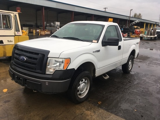 2010 Ford F150 XL 4x4 Pickup