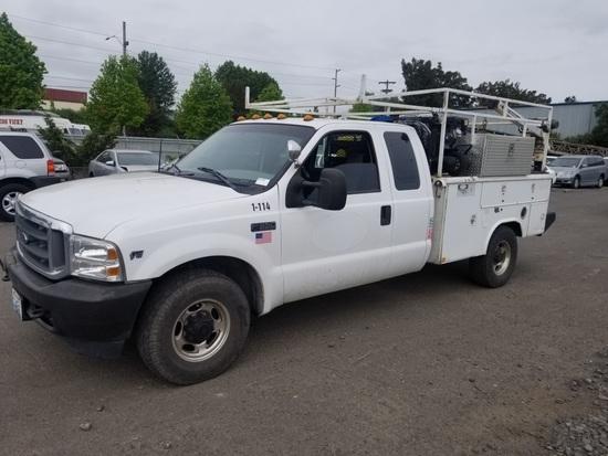 2000 Ford F350 XL SD Extra Cab Utility Truck