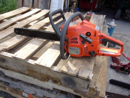 Husqvarna 240 X-Torq 24in Chain Saw
