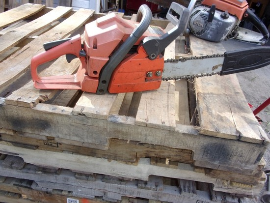 Husqvarna 141 Air Insection Chain Saw