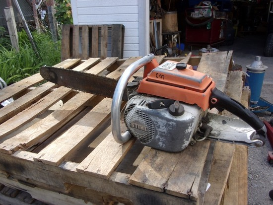 Stihl 041-AV 21in Chain Saw