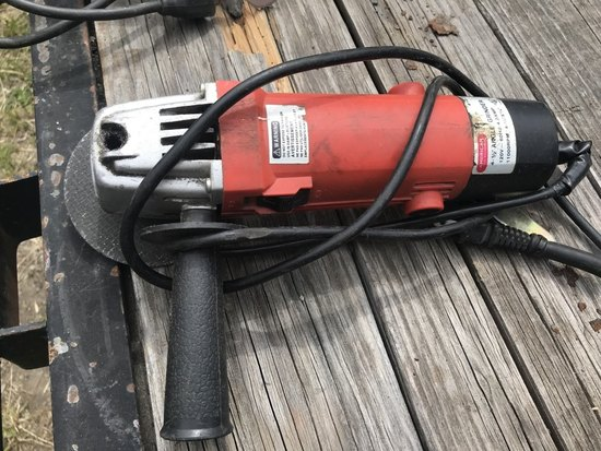 American 4.5in Angle Grinder