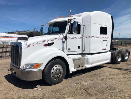 2012 Peterbilt 587 T/A Sleeper Truck