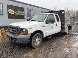 2005 Ford F250 XL SD Extra Cab Flatbed Truck