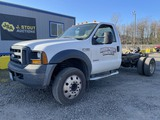 2006 Ford F450 XL SD Cab & Chassis