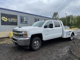 2018 Chevrolet 3500 HD Crew Cab 4x4 Flatbed Truck