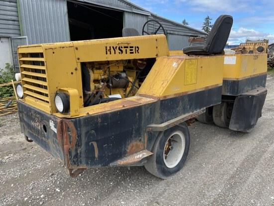 Hyster C530A Pneumatic Roller