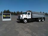 1999 International 2674 T/A Dump Truck