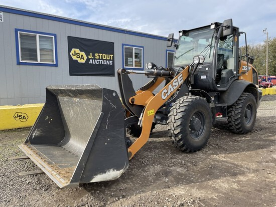 2019 Case 321F Integrated Tool Carrier