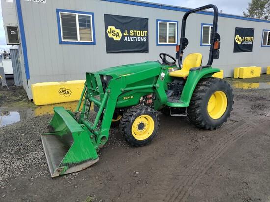 John Deere 3032E 4x4 Utility Tractor