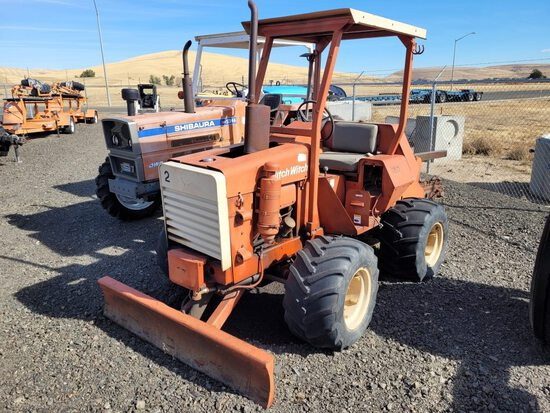 Ditch Witch R30 4x4 Ride On Trencher