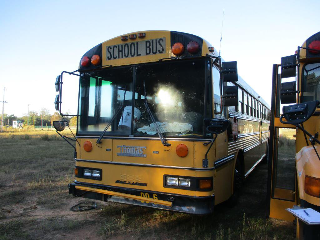 2000 Thomas Built School Bus Cummins ISB.