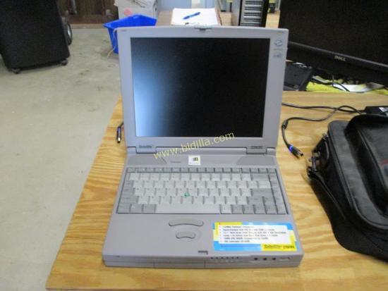 Toshiba Satellite 220CDS Laptop Computer.