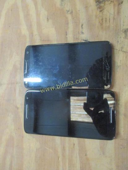 (2) Motorola Droid Phones