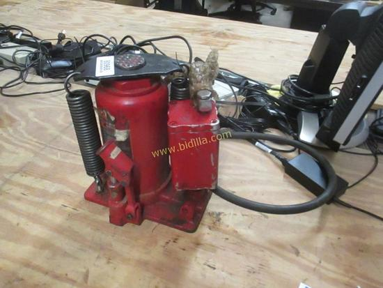 Big Red 20 Ton Air/Hydraulic Bottle Jack